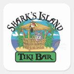 Barra de Tiki de la isla del tiburón Calcomanía Cuadradas Personalizadas