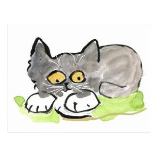 Barra del plátano y gatito gris minúsculo postal