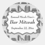 Barra Mitzvah del diseño del estante de librería Etiquetas Redondas