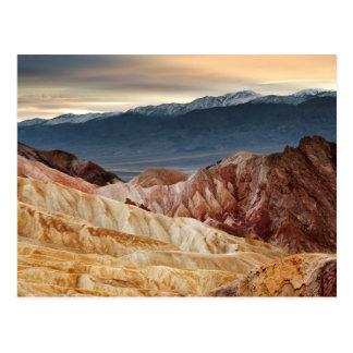 Barranco de oro en la puesta del sol tarjeta postal