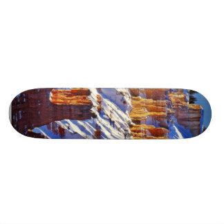 Barranco en la salida del sol patineta personalizada