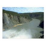 Barranco pintado en el río de Nahanni, NWT, Canadá Postales