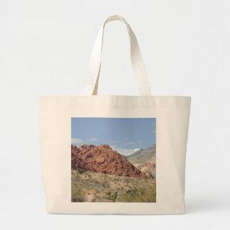 Barranco rojo de la roca, desierto de Mojave, cerc Bolsa Tela Grande