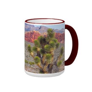 Barranco rojo de la roca, Nevada Taza De Dos Colores