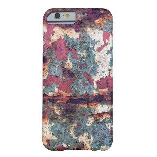 Barril aherrumbrado viejo con dolor verde y blanco funda barely there iPhone 6