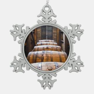 barriles adorno de peltre en forma de copo de nieve