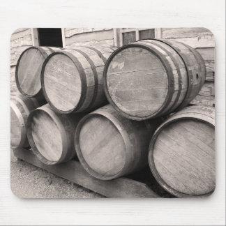 Barriles de madera del whisky alfombrilla de ratón