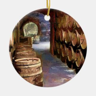 Barriles de vino en la bodega ornamento de reyes magos