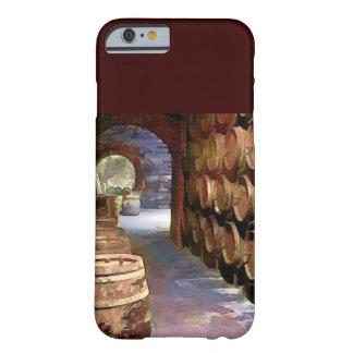 Barriles de vino en la bodega funda de iPhone 6 barely there