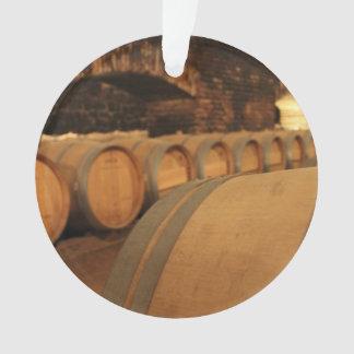 Barriles de vino en sótano