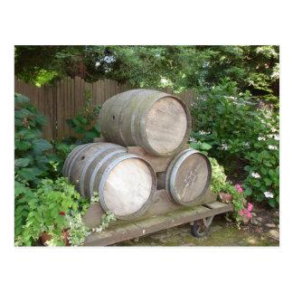 Barriles de vino - país vinícola tarjetas postales