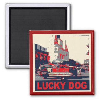 Barrio francés afortunado del perro imán cuadrado