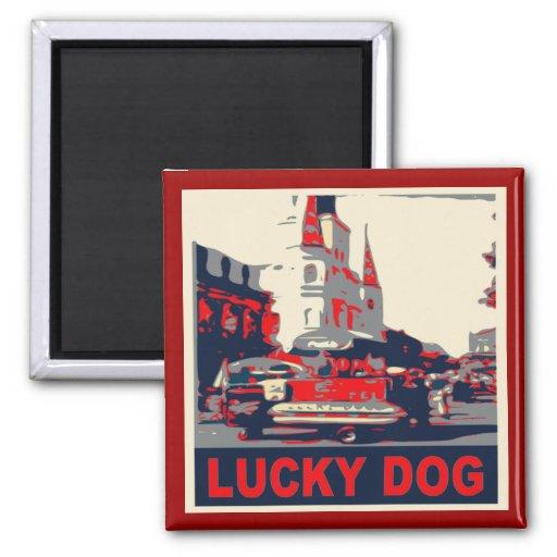Barrio francés afortunado del perro iman de nevera
