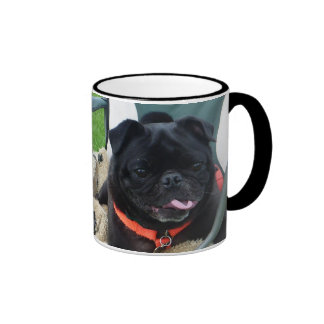 Barro amasado negro húmedo taza de café