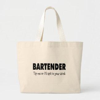 Bartenter inclina me o el escupitajo enfermo en su bolsa lienzo