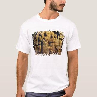 Bas relief of a hairdresser, Roman T-Shirt