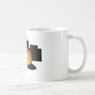 Basculante del perrito taza de café