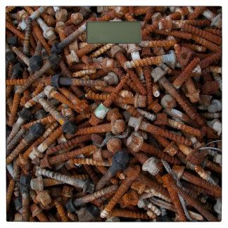 Básculas de baño oxidadas del metal báscula
