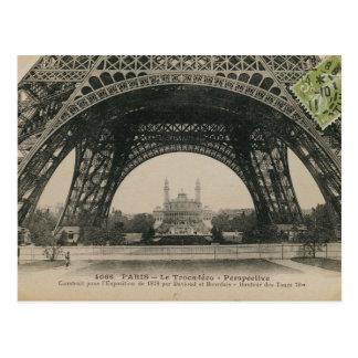 Base blanco y negro de la torre Eiffel Postales