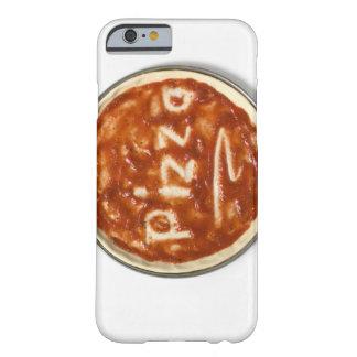 Base de la pizza con la salsa de tomate y la funda para iPhone 6 barely there