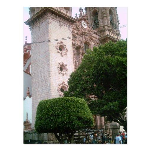 Base delantera de la catedral de Taxco del zocalo Postales