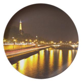 "Base Melamina Torre Eiffel (25cm - 10"") #4 Plato De Comida"