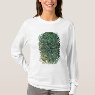Base of a marriage scarab of Amenhotep III T-Shirt