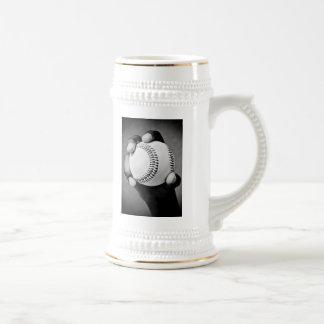 baseball in hand 18 oz beer stein
