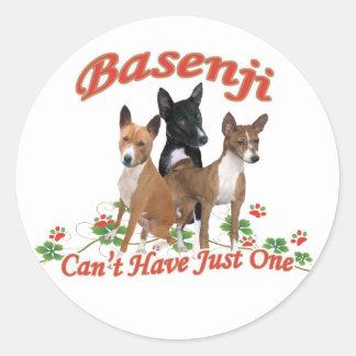 Basenji no puede tener regalos apenas uno pegatina redonda