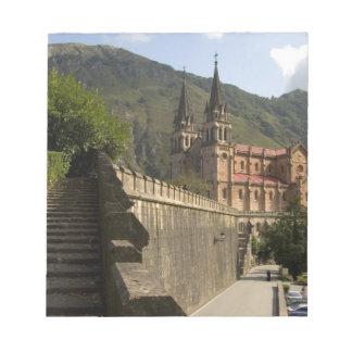 Basilica de Covadonga, España del noroeste Blocs De Papel
