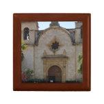 Basílica de la misión de Carmel Caja De Joyas