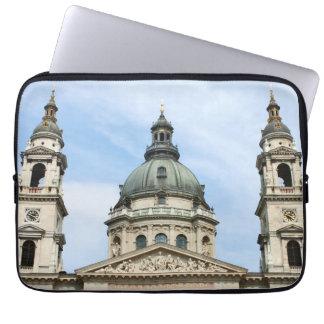Basílica y ClockTower del St Stephens en Budapest Manga Portátil