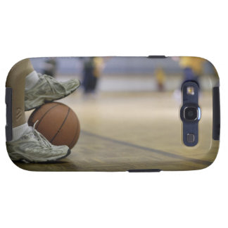 Basketball player holding ball with feet galaxy SIII cover