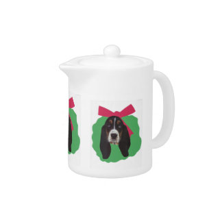 Basset Hound Holiday Wreath Teapot