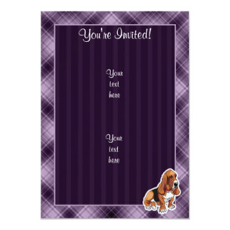 "Basset Hound púrpura Invitación 5"" X 7"""
