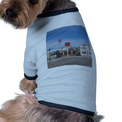 Bassett de la gasolinera, Nebraska, los E.E.U.U. Camisetas De Perro
