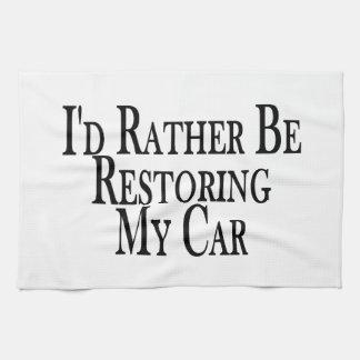 Bastante coche del restablecimiento toallas