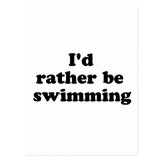 bastante nadando tarjeta postal