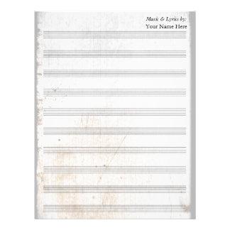 Bastón en blanco rasguñado viejo de la partitura plantilla de membrete