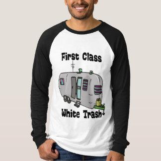 Basura blanca de la primera clase playera