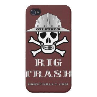 Basura del aparejo del campo petrolífero, cráneo y iPhone 4 funda