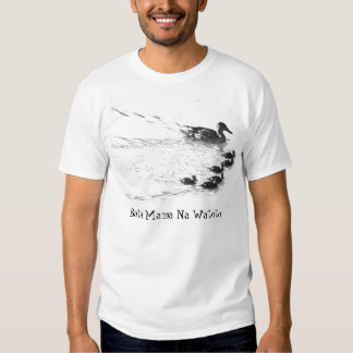 """Bata Mama na Watoto """"Mother duck with ducklings"""" T-Shirt"""