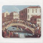 Batalla con los palillos en el Ponte Santa Fosca Alfombrilla De Ratón