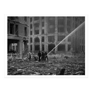 Batalla de Inglaterra y los bombardeos: Bomberos # Postal