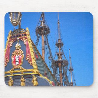 Batavia - nave del este holandesa de los indies alfombrillas de raton