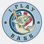 Bate de béisbol de los pescados de la perca etiquetas redondas
