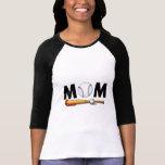 Bate de béisbol y bola de la mamá camisetas