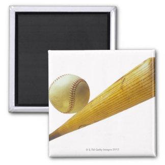 Bate de béisbol y bola imán cuadrado