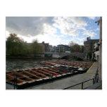 Bateas en la leva del río en Cambridge Tarjetas Postales