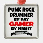 Batería del punk rock por videojugador del día por adorno cuadrado plateado